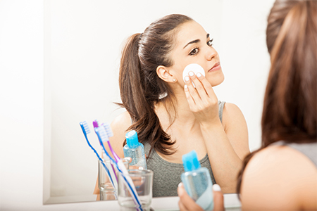 DAILY ROUTINE: Kako pravilno ukloniti šminku